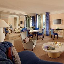 Ambassador Suite (living room) - Le Richemond