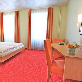 Doppelzimmer Hotel des alpes Fiesch Aletsch Arena