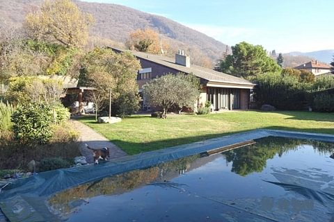 Villa signorile con piscina a Castel San Pietro