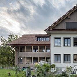 Mehrfamilienhaus Dorfstrasse, Jonen