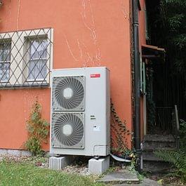 Impianto a pompa di calore splittata
