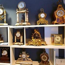Différentes pendules d'exception Chez L'Horloger à Blonay