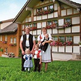 Familie Ehrbar -Milchlieferanten und Miteigentümer-