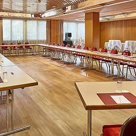 12 salles de séminaires modulables, capacité jusqu'a 150 personnes