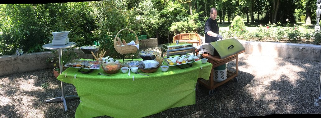 Barbecue en famille et au jardin...