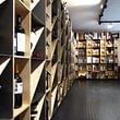 Ladenbau: Weinhandlung in Bern