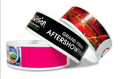 Nouveau chez AdaptaPrint: bracelets de contrôle en Tyvek ou en Vinyl/PVC