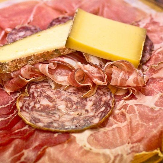 affettato e formaggio di prima qualita'