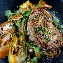 Tous les jours 4 menus au choix: un plat de pâtes artisanales, un plat végétarien, un plat de poisson et un plat de viande