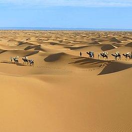 Unterwegs in der Sandwüste von Marokko