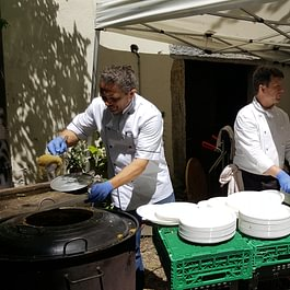 evento con cucina esterna per 300 persone