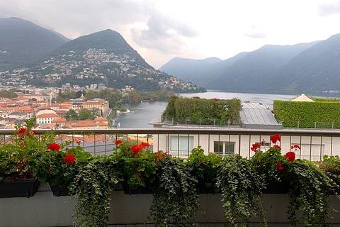 Rif. 1434 Vendiamo in centro a Lugano, 4.5 loc nuovissimo, vista lago, elegante!