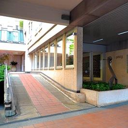 Il nostro studio di fisioterapia e riabilitazione, situato in centro a Lugano, a 10 minuti a piedi dalla stazione FFS.