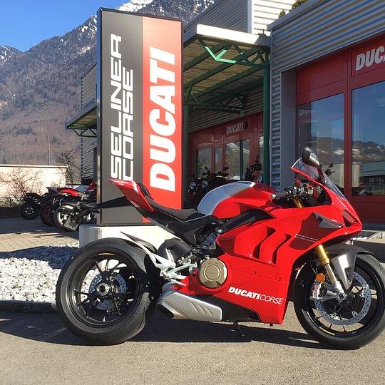 Erste Ducati Panigale V4 R live in Schänis zu bewundern