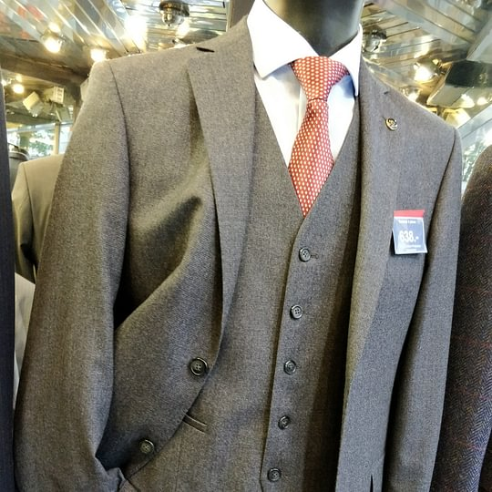 Costume 3 pièces GGG Tissus Italien fabrication EU