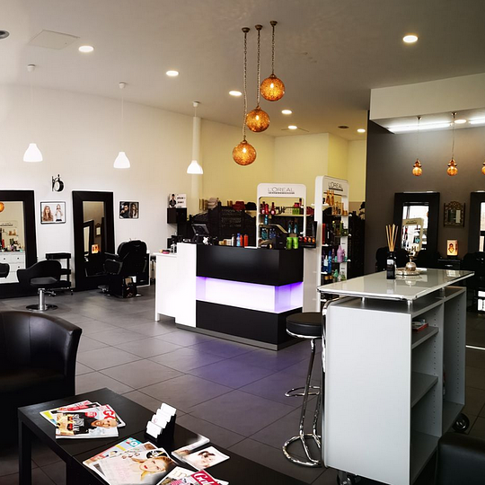 Adam Coiffeur Salon