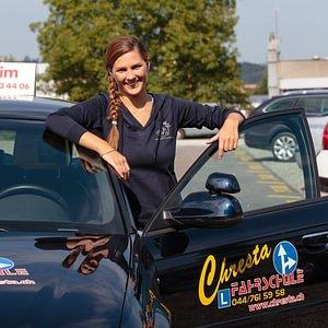 Fahrlehrerin Kim Chresta