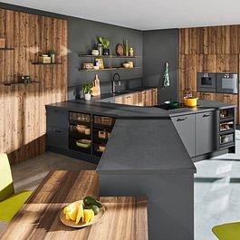 cuisine en forme de Y chez Cuisines et Bains Caloz