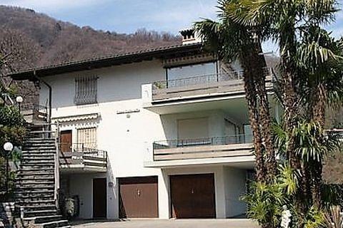 Grosse 4.5-Zimmerwohnung mit Terrasse und Aussenschwimmbad in Brissago