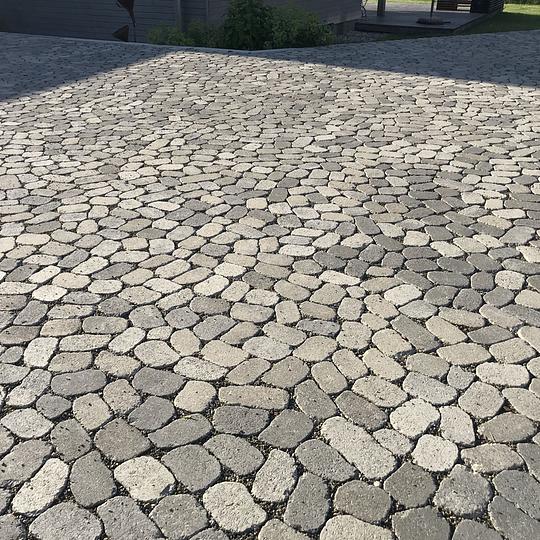 Balsiger Gartengestaltung GmbH, Neuanlagen mit Plästerungen