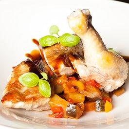 Französische Perlhuhnbrust / Ratatouille / Salat
