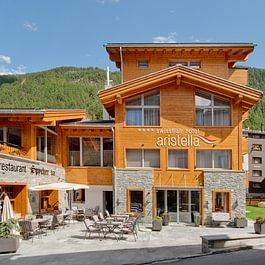 Aussenansicht vom Hotel Aristella swissflair Zermatt