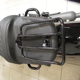 Sella con portapacchi integrato / selleria moto ticino