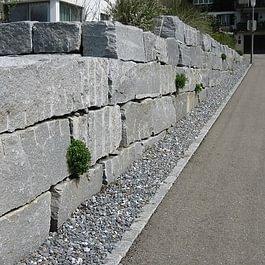 Tessiner Granit Mauer