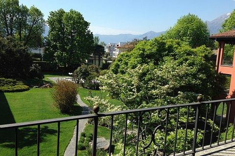 Grosszügige 1-Zimmerwohnung mit Balkon und Sicht auf den Garten in Ascona