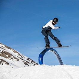 Snowboarding im Snowpark Grindelwald-First mit dem Backdoor Team