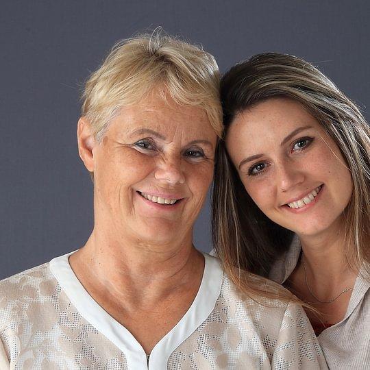Le dipl. terapiste, Ulla e Radha Binder, ti aprono la porta dalla Casa dei Tre Tesori
