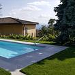 Piscina in vetroresina prefabbricata Riviera Poll Ancona / Modena Style con copertura immersa