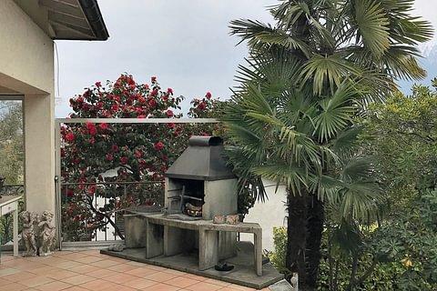 Grosses Einfamilienhaus mit Sitzplatz, Grill und Garten in Ascona – Casa Landry