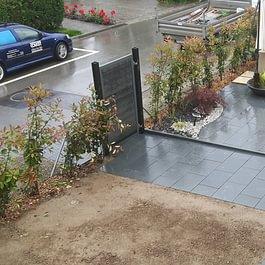 Terrasse en dalles granit anthracite