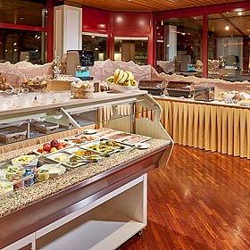 Buffet Petit-déjeuner au restaurant La Terrasse