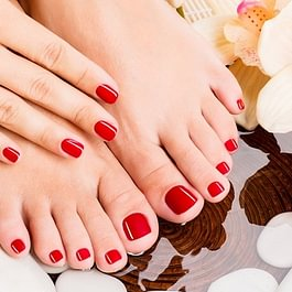 Spa Manicure and Pedicure in Meilen auch als  Best friends Beauty Tag Kombi