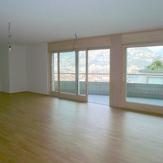 LUGANO appartamento di lusso 4.5 locali di 220 mq + giardino privato di 100 mq VISTA LAGO DI LUGANO Fr. 2'000'000.—(Rif. 1434).  – Lugano – Tel.: 091 921 42 58 – www.mgimmobiliare.ch