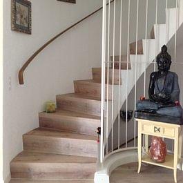 Treppe mit Vinyl überzogen