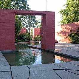 Wasservorhang Wasserbecken Park im Grünen Basel - Salathé Rentzel Gartenkultur AG, Bahnhofstrasse 4, CH-4104 Oberwil