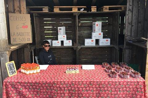Vente directe de cerises et jus de pomme