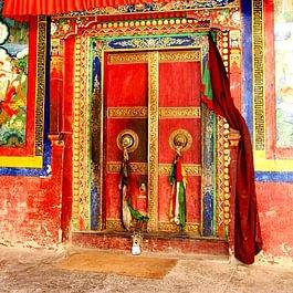 Tentures et décoration tibétaine bouddhiste, nappes, napperons, portes tibétaines à suspendre...