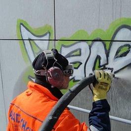 Élimination de graffitis et tags