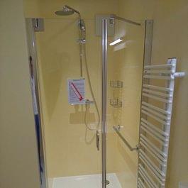 Duschtrennwände / Duschkabinen