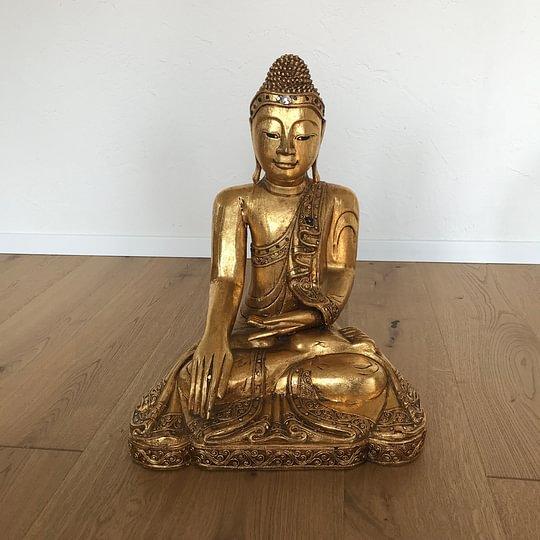Buddha steht bei uns im Zentrum für Ruhe und Gelassenheit.