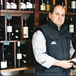 Patron de la boutique Tozé, Monsieur Fernandes