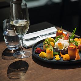le nouveau restaurant Les Saisons propose des plats basés sur des produits frais et de très haute qualité, dans le cadre d'une carte régulièrement renouvelée