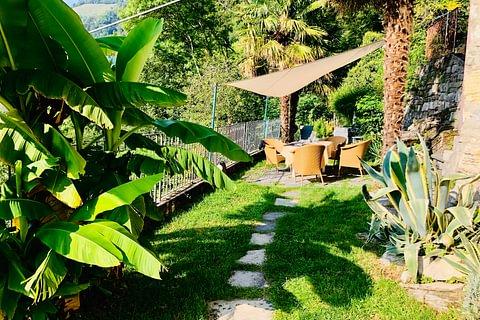 SCUDELLATE - vendesi rustico con ampio giardino e bosco