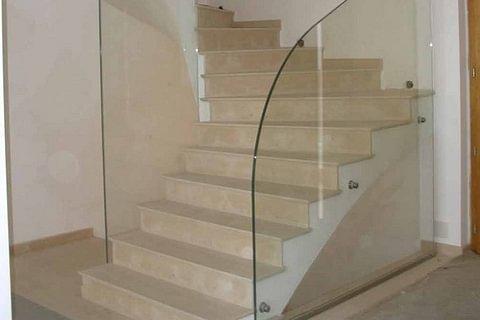 Barrières et rampes d'escaliers en verre