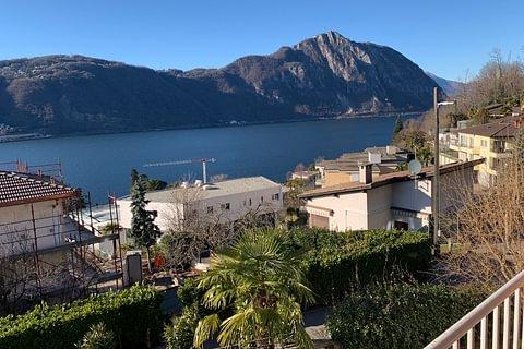 Bissone Villa con vista lago in vendita