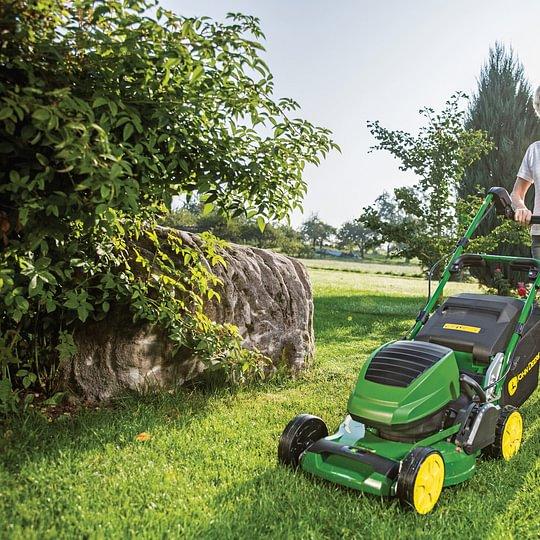 John Deere - Gamme de machines pour vos espaces verts